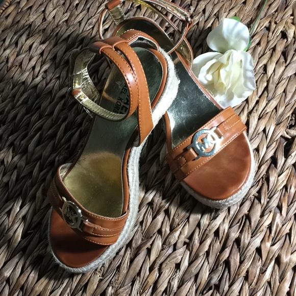Michael Kors Shoes - 💕Michael Kors Naomi Wedges💕